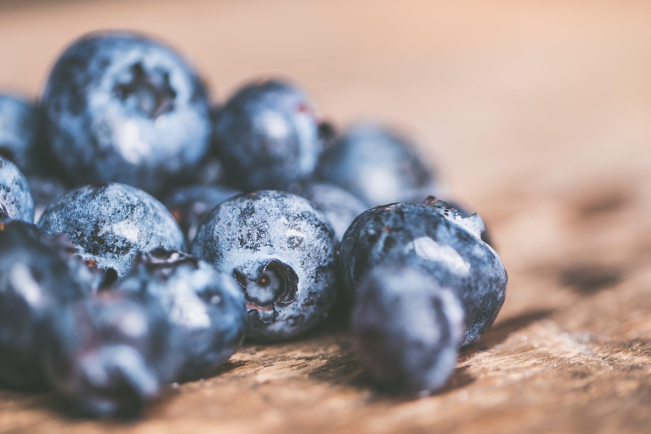 8 korzysci jedzenia borowek dla Twojej skory(1)